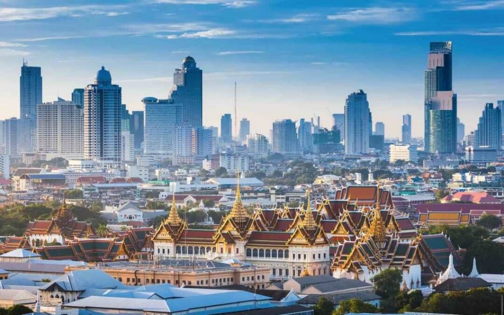 Buying a Condo in Bangkok The Ultimate Guide 1080x675 1 1024x640 - 4 ข้อดีของการซื้อคอนโดมิเนียม